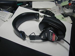 monitor-headphone.jpg